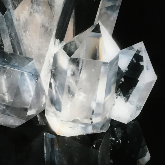 White crystal acrylic dry mount  sonder living treniq 1 1527741078311