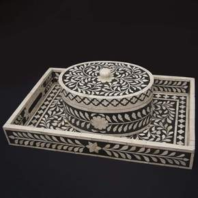 Imperial Beauty Oval Box in Black and White