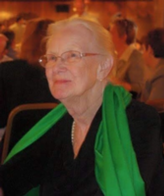 Photo of Susan Reynolds