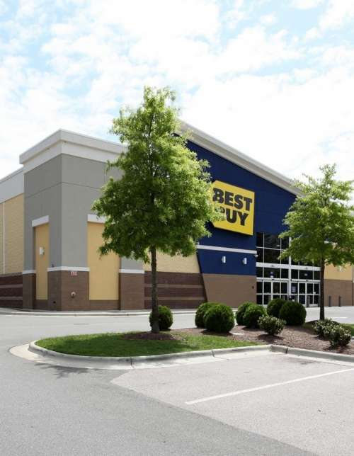 Shoppes at Alexander Place welcomes new anchor tenant, Planet Fitness