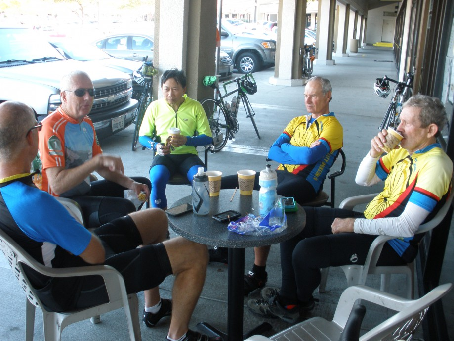 Trip photo #14/16 Refreshment stop at Bodi's