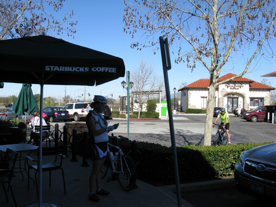 Trip photo #14/45 Starbucks stop at Vineyard