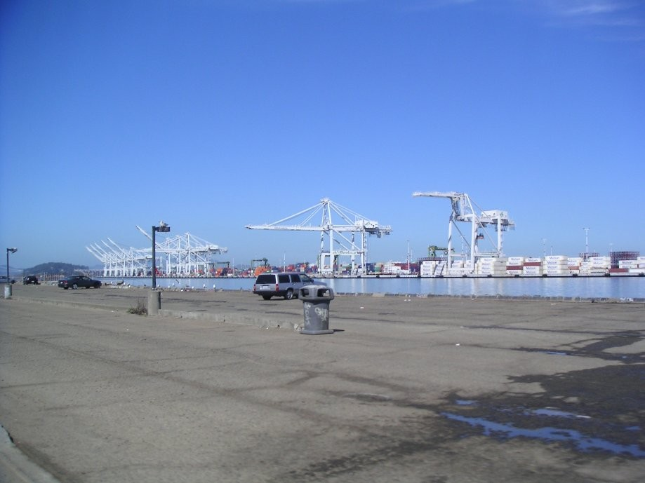 Trip photo #16/31 Oakland port cranes