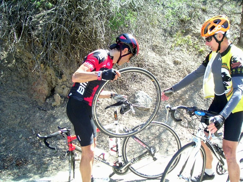Trip photo #14/18 Flat tire on the descent
