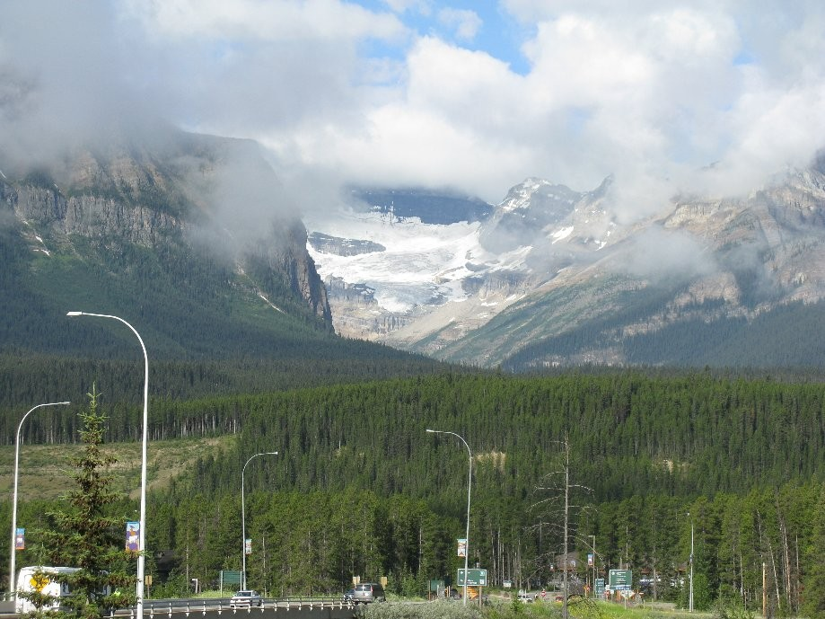 Trip photo #2/33 Leaving Lake Louise village area