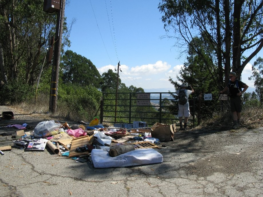 Trip photo #22/24 Impromptu garbage dump - entrance to EBMUD over fence