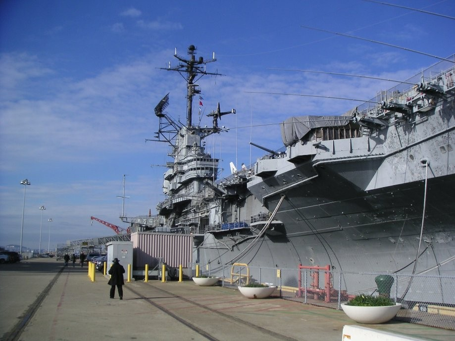 Trip photo #12/24 USS Hornet museum ship