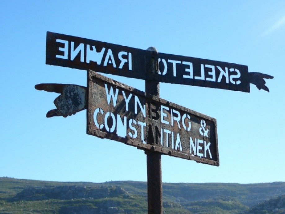 Trip photo #12/16 Old Table Mountain signposts