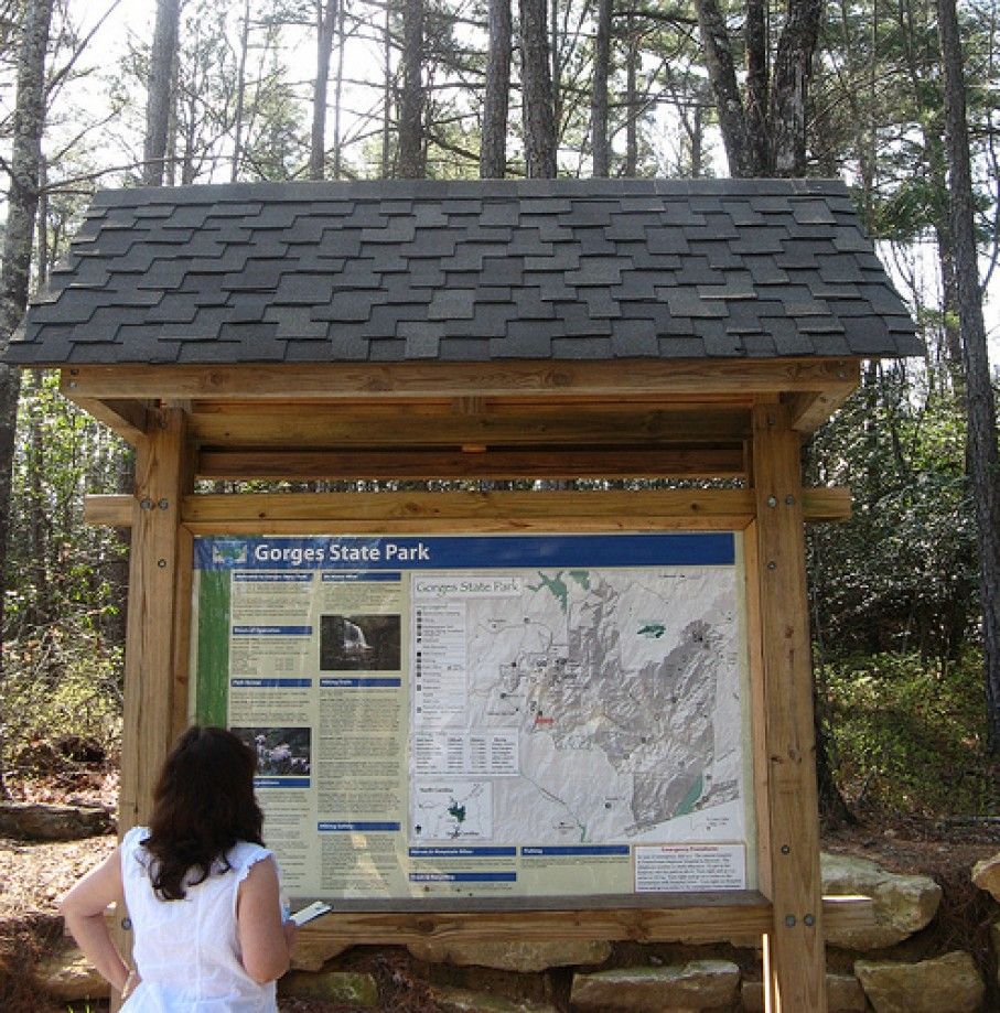Trip photo #1/12 Sign board art start of Rainbow Falls Trail