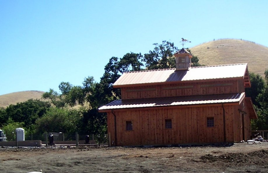 Trip photo #6/16 New barn on Victorine