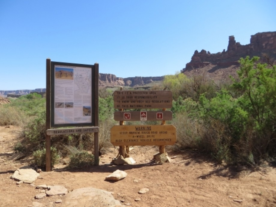 Trip photo #36/39 End of jeep road on Green River side