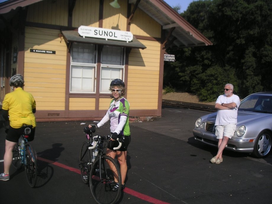 Trip photo #5/12 Stop at Sunol RR station