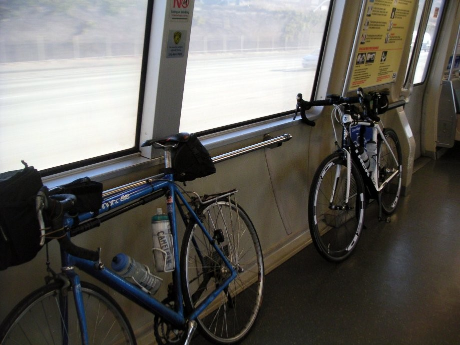 Trip photo #1/27 BART car with extra side rail space