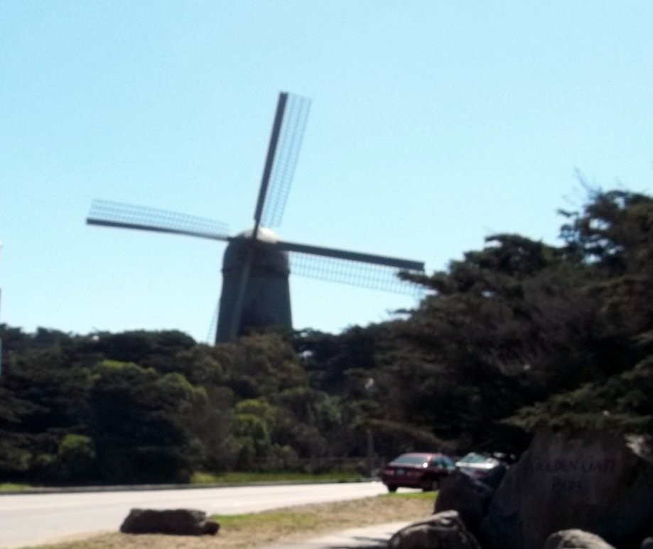 Trip photo #4/27 Windmill at Golden Gate Park (first time I've seen it turning)