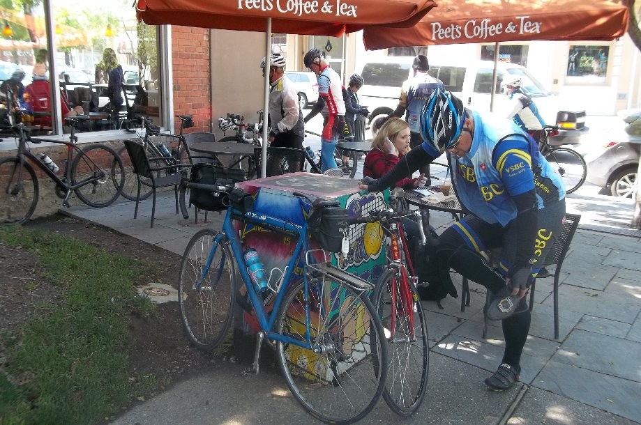 Trip photo #2/4 Refreshment stop at Peets