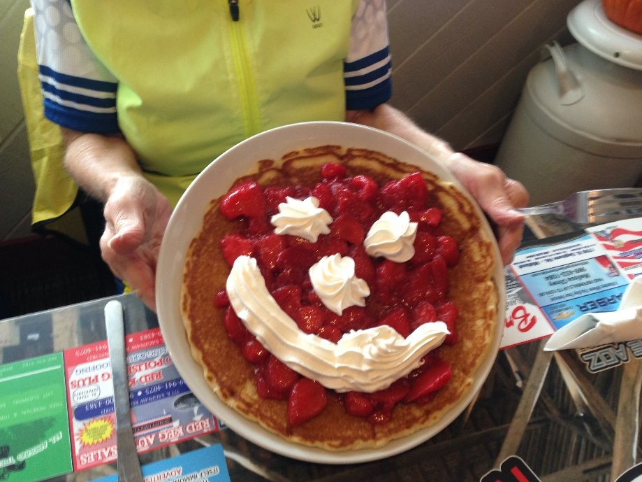 Trip photo #5/6 Strawberry pancake at Leah's Kafe