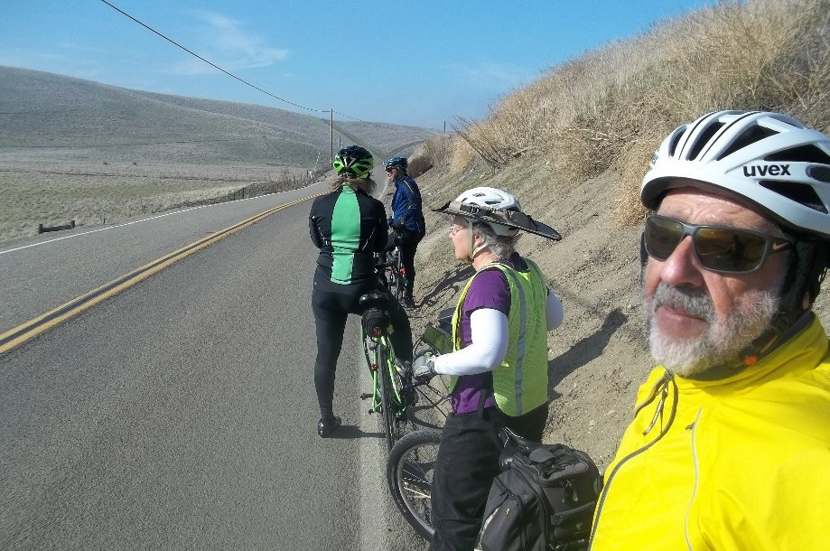Trip photo #5/14 Regroup on Patterson Pass