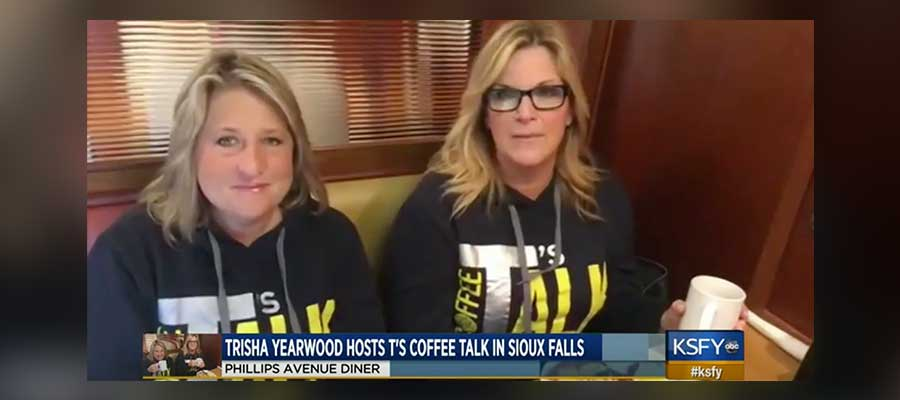 Trisha Yearwood hosts T's coffee talk at Phillips Avenue Diner