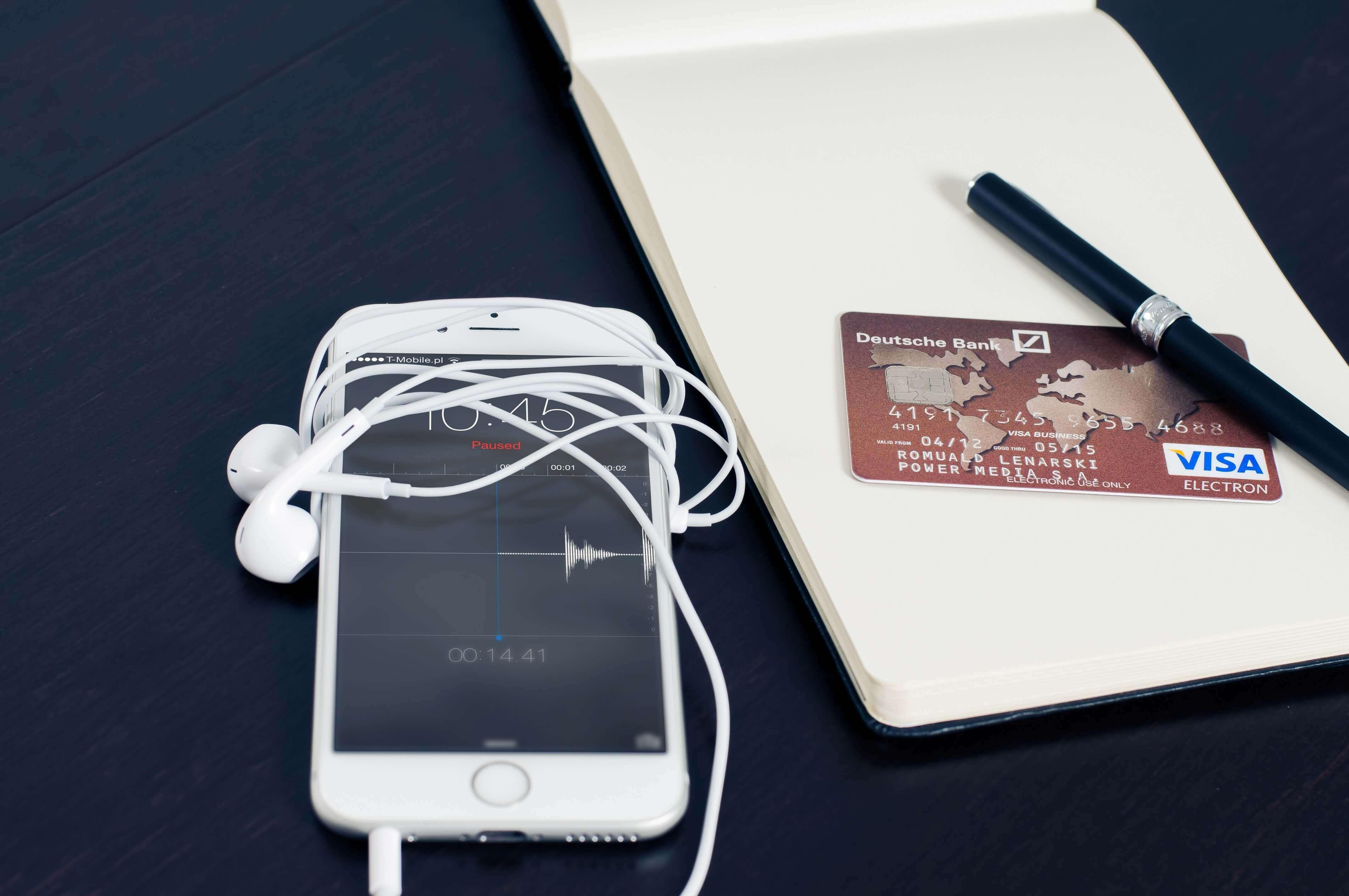 Dívida do cartão de crédito: pagar mínimo ou parcelar?