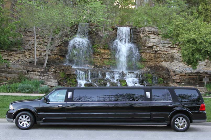 Kansas' Top Rated Local® Limousine Services Award Winner: Legacy Limo