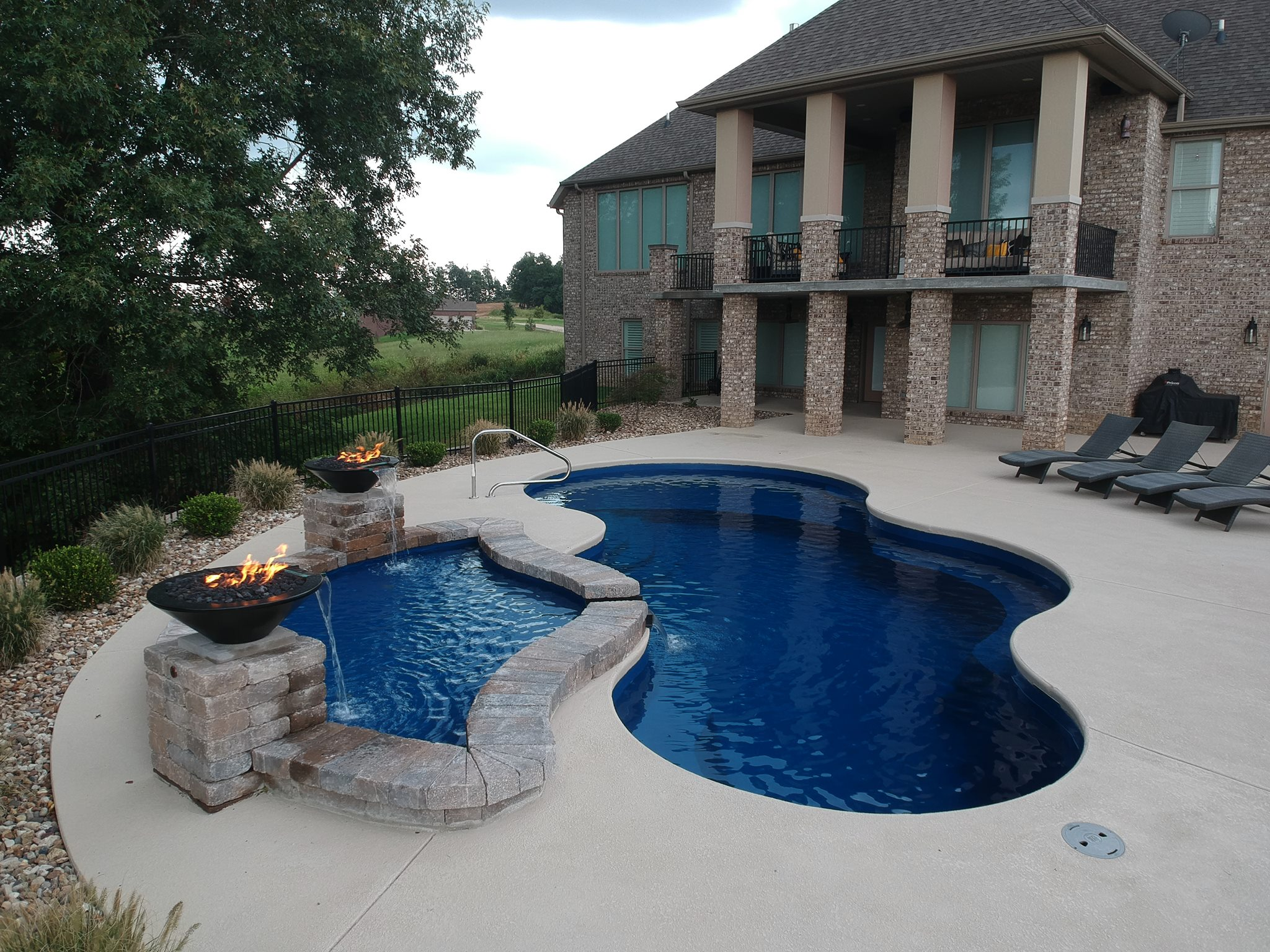 Missouri's Top Rated Local® Pool Service & Repair Award Winner: Farmer's Pool & Spa