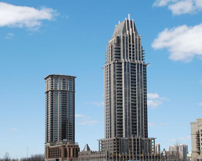 Chicago at Prince of Wales Drive, Mississauga, Ontario. Image 3