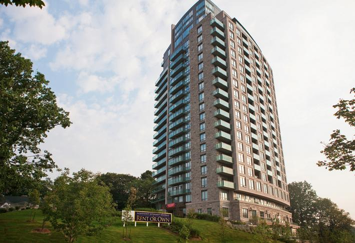 Palisades on the Glen at 1665 The Collegeway, Mississauga, Ontario. Image 1