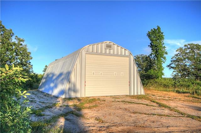 Detached at 99 8th Conc, Billings, Ontario. Image 10