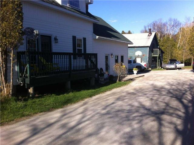 Detached at 24 Gore St, Gore Bay, Ontario. Image 1