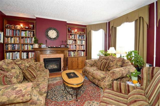 Detached at 142 Hume St, Collingwood, Ontario. Image 11