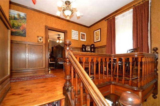 Detached at 142 Hume St, Collingwood, Ontario. Image 7