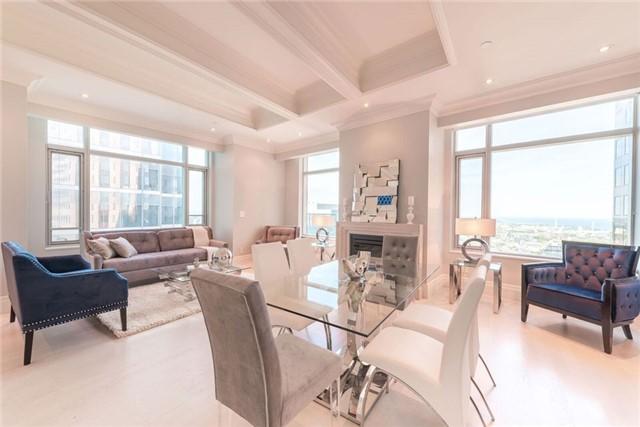 Condo Apartment at 325 Bay St, Unit 4703, Toronto, Ontario. Image 9