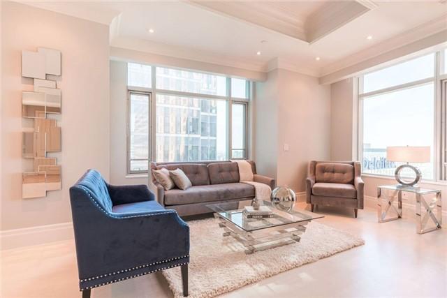 Condo Apartment at 325 Bay St, Unit 4703, Toronto, Ontario. Image 12