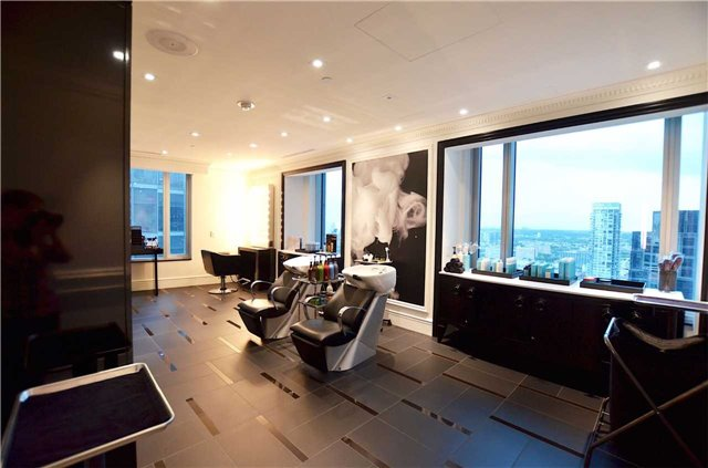 Condo Apartment at 325 Bay St, Unit 4703, Toronto, Ontario. Image 7