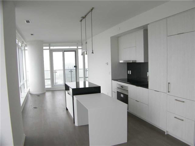 Condo Apartment at 1 Bloor St E, Unit 5609, Toronto, Ontario. Image 6