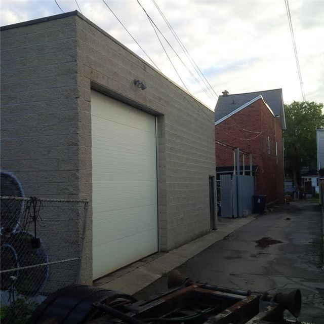 Detached at 81 Markham St, Toronto, Ontario. Image 5
