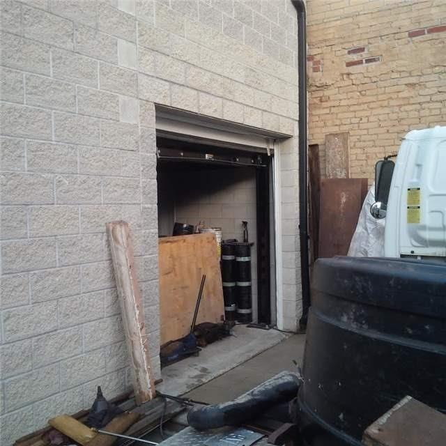 Detached at 81 Markham St, Toronto, Ontario. Image 8