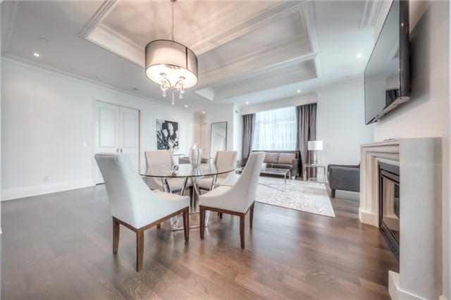 Condo Apartment at 311 Bay St, Unit 4503, Toronto, Ontario. Image 1