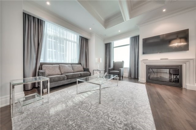Condo Apartment at 311 Bay St, Unit 4503, Toronto, Ontario. Image 11
