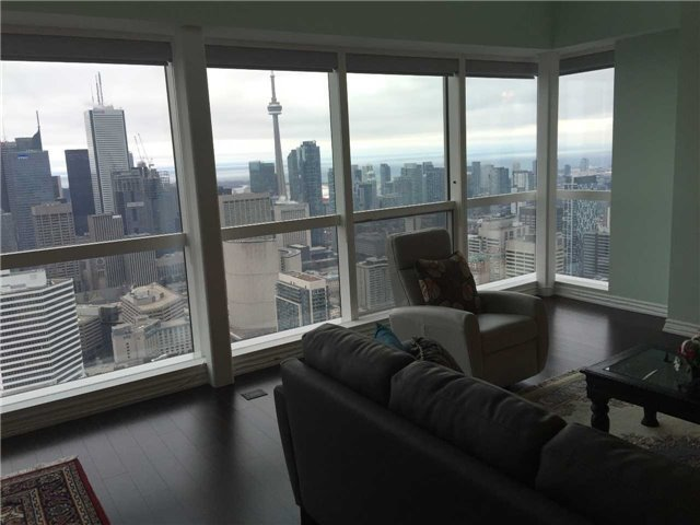 Condo Apartment at 386 Yonge St, Unit 5710, Toronto, Ontario. Image 5