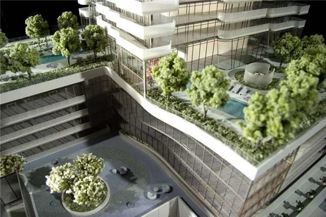 Condo Apartment at 1 Bloor St E, Unit 7405, Toronto, Ontario. Image 6