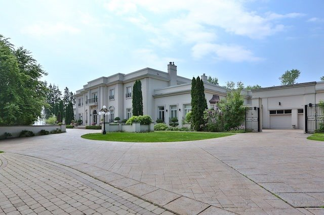 Detached at 16 High Point Rd, Toronto, Ontario. Image 8