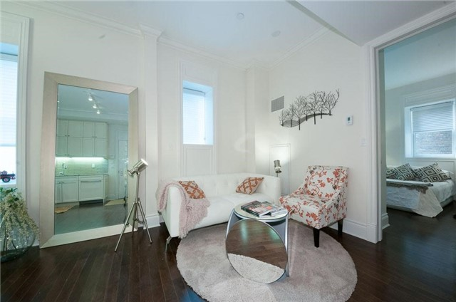 Condo Apartment at 22 Leader Lane, Unit 507, Toronto, Ontario. Image 8