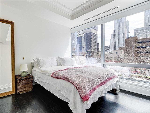 Condo Apartment at 55 Scollard St, Unit 206, Toronto, Ontario. Image 19
