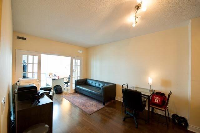 Condo Apartment at 763 Bay St, Unit 4605, Toronto, Ontario. Image 3