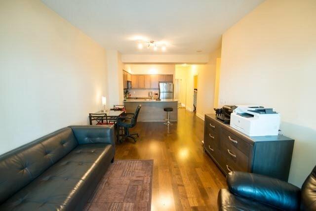 Condo Apartment at 763 Bay St, Unit 4605, Toronto, Ontario. Image 5