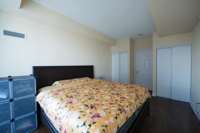 Condo Apartment at 763 Bay St, Unit 4605, Toronto, Ontario. Image 9