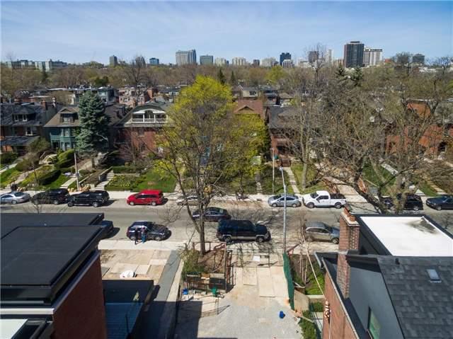 Detached at 61 Roxborough St W, Toronto, Ontario. Image 5