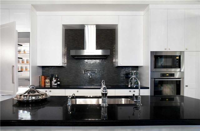 Condo Apartment at 311 Bay St, Unit 4502, Toronto, Ontario. Image 9