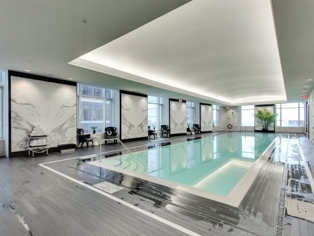Condo Apartment at 311 Bay St, Unit 4404, Toronto, Ontario. Image 9